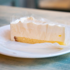 レアチーズケーキ 390円